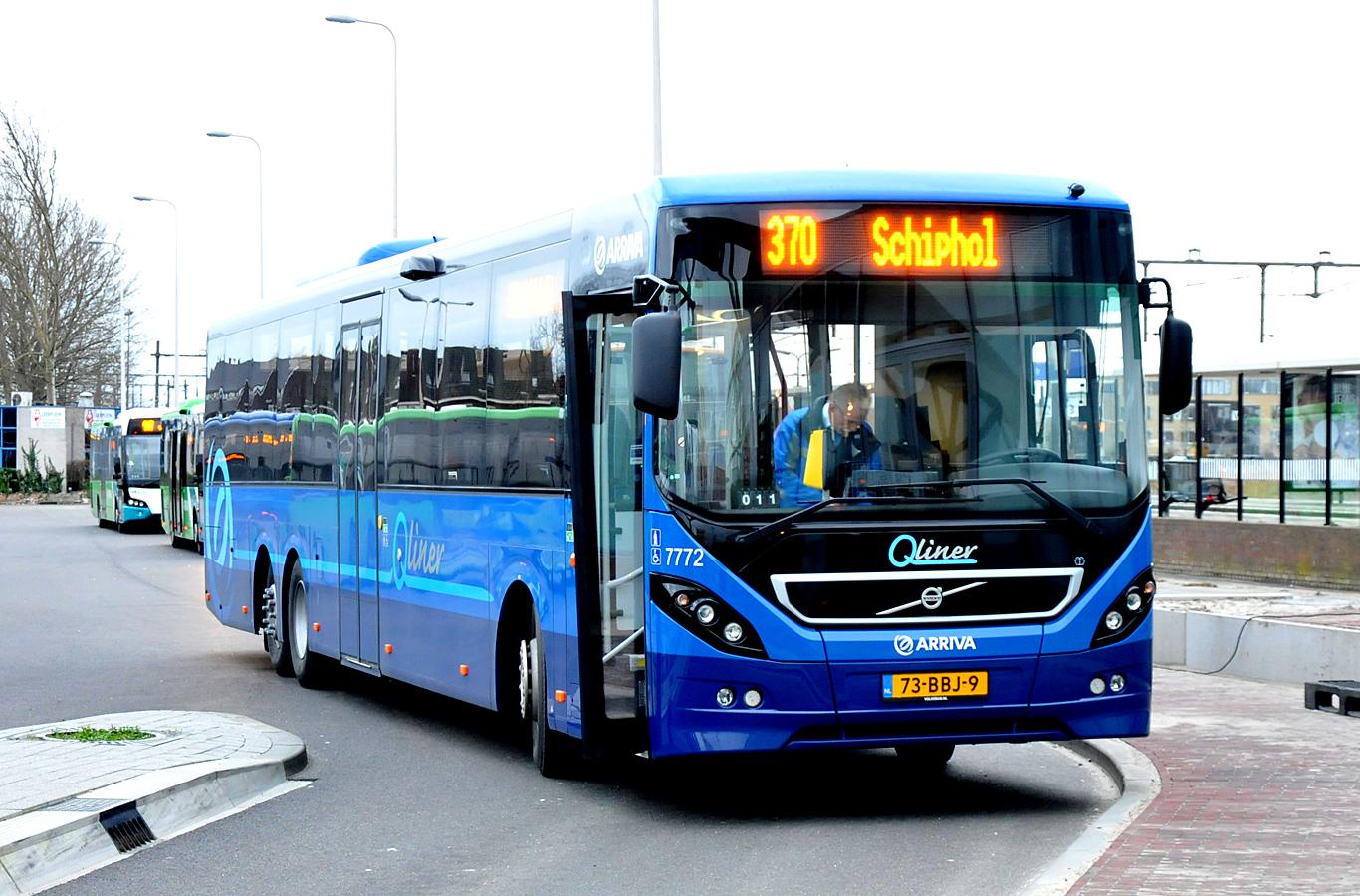 Arriva_7772_Volvo8900LE.jpg