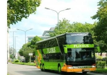 Milleproroghe, passa l'emendamento contro i bus low cost.